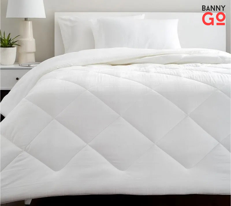 temperature-regulating comforter