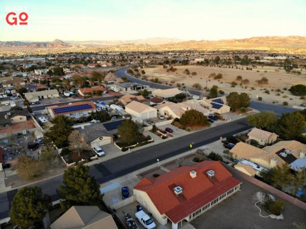 Las Vegas'ın güneydoğusunda bulunan Henderson, Nevada 320.390 nüfusa sahiptir.