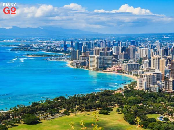Hawaii'nin Honolulu ilçesinde 980.080 kişi yaşamaktadır.