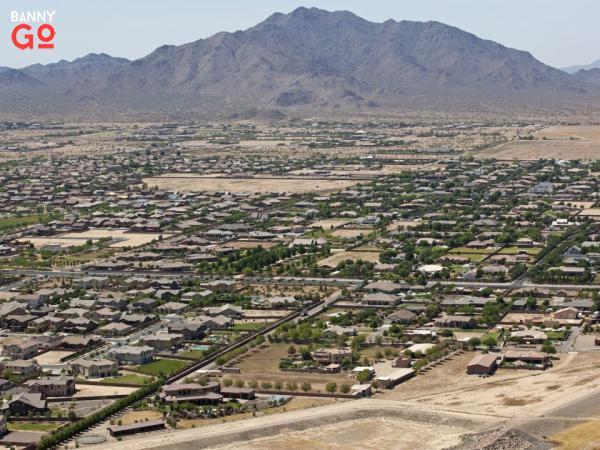 Phoenix metro bölgesi içinde bulunan Arizona eyaletine bağlı San Tan Valley, 81.321 nüfusu vardır.
