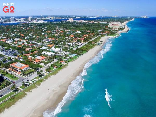 West Palm Beach, Florida 111.398 nüfusa sahiptir.