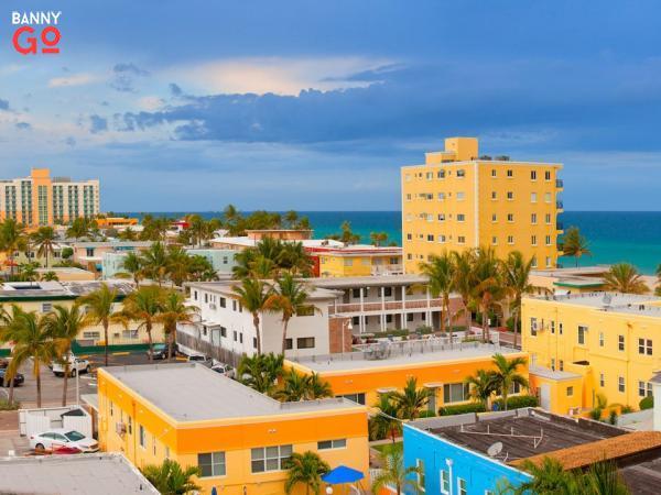 Hollywood, Florida. Fort Lauderdale'in güneyinde bulunur ve 154.823 nüfusu bulunmaktadır.
