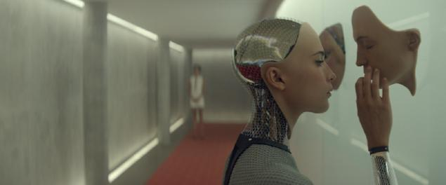 13. Ex Machina (2014) | IMDb 7,7
