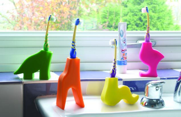 Diş fırçası tutucuları