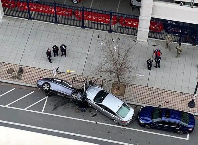 UBER Sürücüsü 2 Genç Kızın Aracını Kaçırma Teşebbüsü Sırasında Hayatını Kaybetti