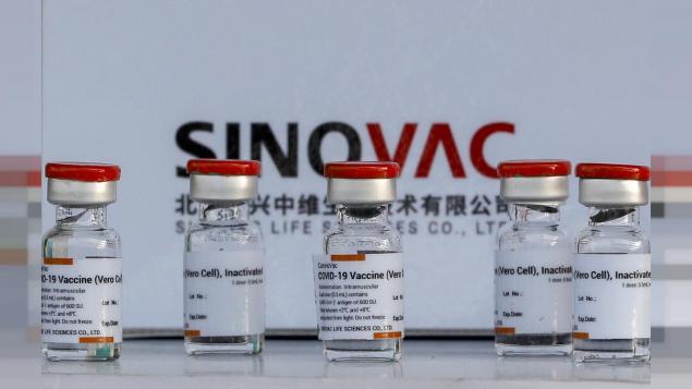 The New York Times, Türkiye, Moğolistan veya Şili gibi çoğunlukla Çin aşılarını kullanan bazı ülkelerdeki COVID-19 bulaşma verilerine dayanarak bu araştırmayı geliştirdi.