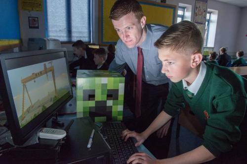 Minecraft, Oyun Metinleri için Microsoft'un Ekran Okuyucusunu Sunacak