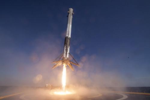 SpaceX'in En Güçlü Roketi Falcon 9 Heavy 3. Kez Fırlatıldı