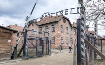 Auschwitz-Birkenau Nazi Toplama Kampı Ve Bir Başka Deyişle: Ölüm Kampı