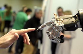 Gelecekte Robotlarla İlişki Kuracağız
